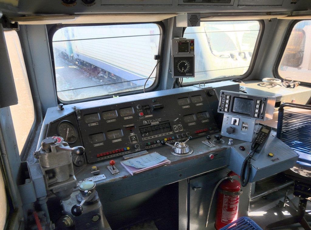 Train cabine per e656 e656 navetta ed e655 for Costruttori di cabina del minnesota